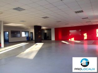 Annonce location Local commercial avec parking beauvais