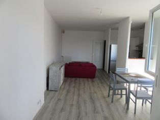 Annonce location Appartement avec parking nay