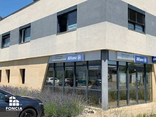 Annonce location Local commercial avec parking montfavet