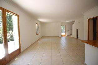 Annonce location Maison avec garage caseneuve