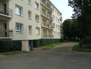 Annonce location Appartement avec parking saint-sauveur-en-puisaye