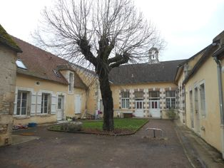 Annonce location Appartement avec terrasse mailly-le-château