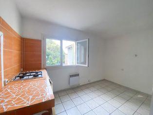 Annonce location Appartement avec parking six-fours-les-plages