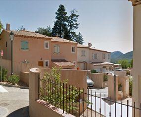 Annonce location Maison avec terrasse signes