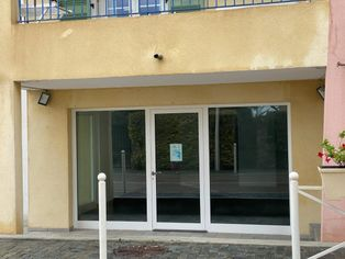 Annonce location Local commercial avec parking sari-solenzara
