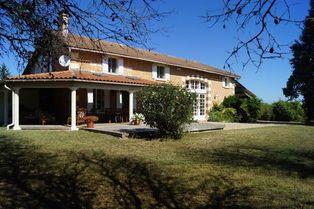 Annonce vente Maison avec terrasse la roche-chalais