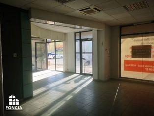 Annonce location Local commercial avec parking orange