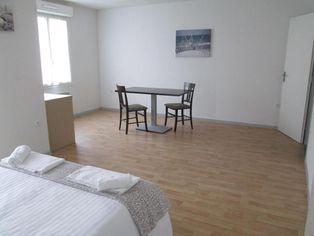Annonce location Appartement avec terrasse argenton-l'église