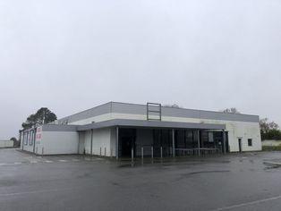 Annonce vente Local commercial avec parking landivisiau