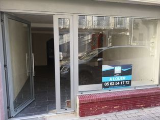 Annonce location Local commercial avec stationnement tarbes