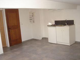 Annonce location Appartement avec parking solliès-toucas