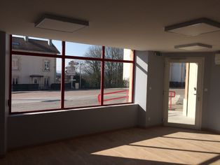 Annonce location Local commercial plein sud éloyes