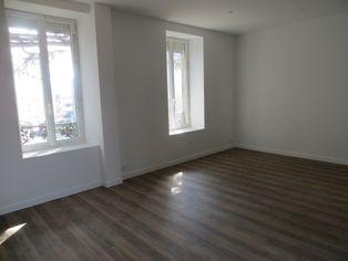 Annonce location Appartement avec parking le cendre