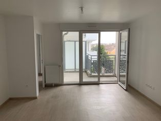 Annonce location Appartement plein sud persan