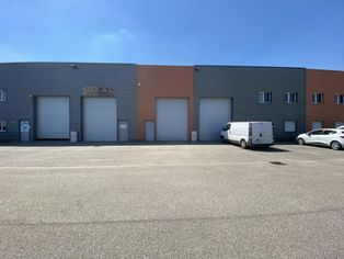 Annonce location Local commercial avec parking lentilly
