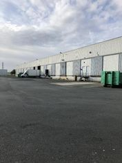 Annonce location Local commercial traversant cholet