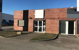 Annonce location Local commercial avec parking val-de-reuil