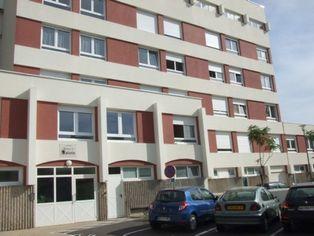 Annonce location Appartement avec stationnement blois