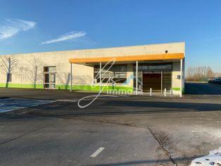Annonce location Local commercial avec parking estaires