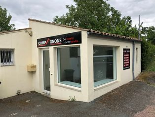 Annonce location Local commercial avec parking saintes