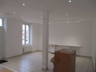 Annonce location Local commercial avec parking mirambeau
