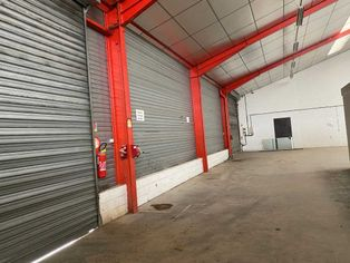 Annonce location Local commercial avec parking rivery