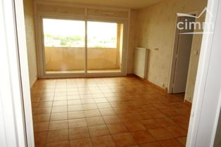 Annonce location Appartement avec parking moulins