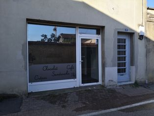 Annonce location Local commercial avec parking miribel