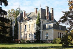 Annonce vente Château avec garage cérilly
