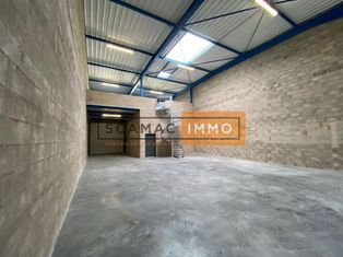 Annonce location Local commercial avec parking courtry