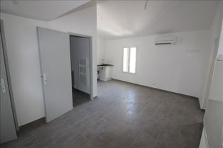 Annonce location Appartement avec parking simiane-collongue