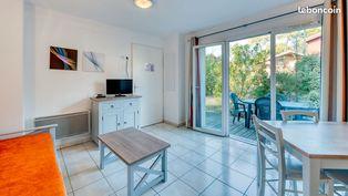 Annonce location Appartement avec terrasse parentis-en-born