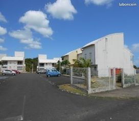 Annonce location Appartement avec parking sainte-rose