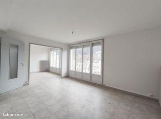 Annonce location Appartement avec stationnement pont-de-roide